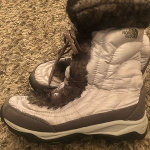 Excellent used NorthFace boots
